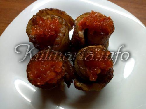 куриные рулетики на сковороде с соусом