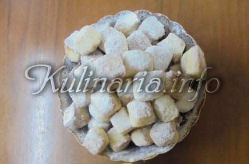 пампушки жаренные или пышки с сахарной пудрой