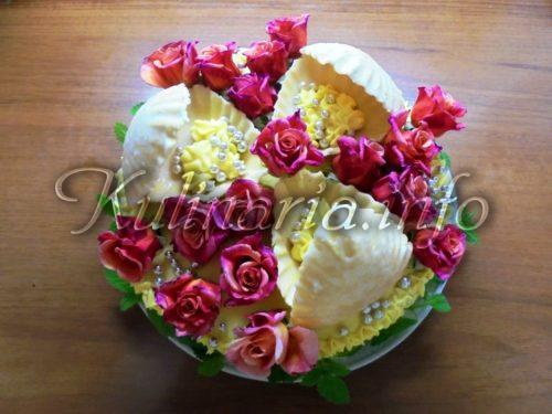 торт с живыми цветами