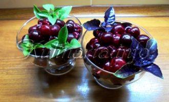 Маринованная вишня