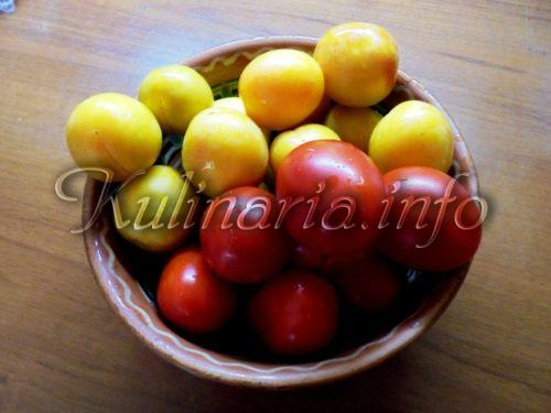 помидор и слива для ассорти