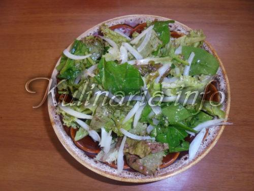 салат из салатных листьев
