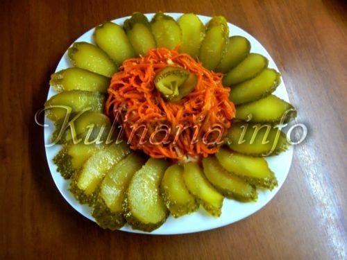 морковь п корейски и солёный огерец