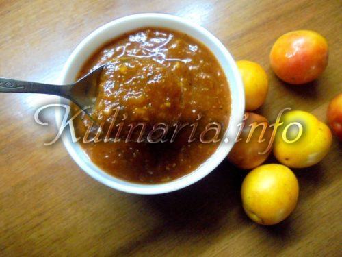 вкусный соус из слив