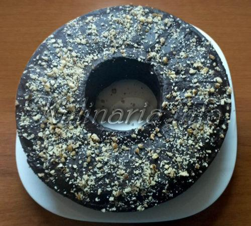 Шоколадный кекс на сметане с орехами